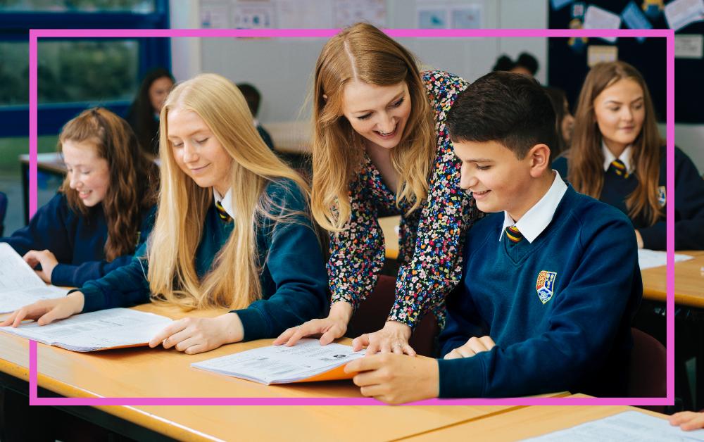 mytutor-teacher-with-pupils