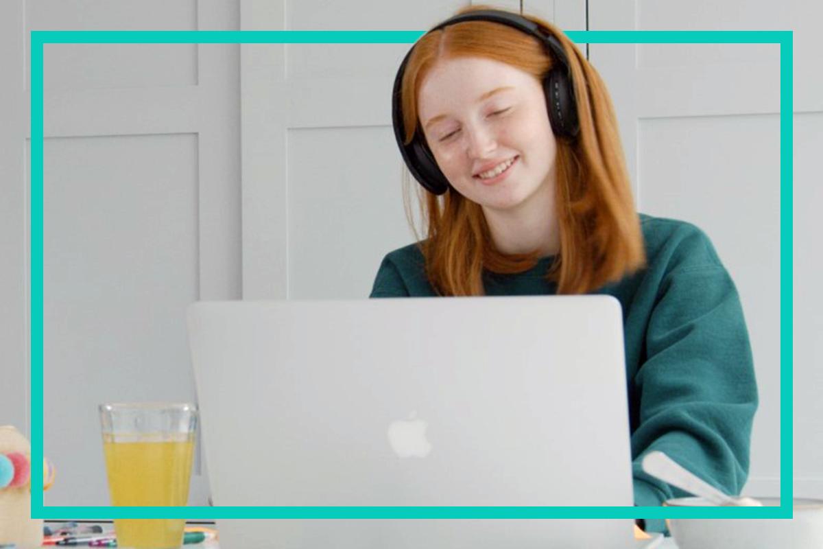 teenager-laptop-happy